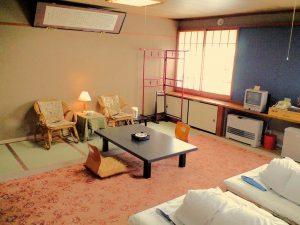 高原旅館野辺山荘のぺットと泊まれる部屋