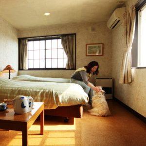 プチホテルパディントンハウスのぺットと泊まれる部屋