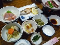 民宿春山荘の食事
