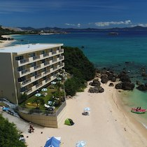 美ら海オンザビーチMOTOBU(沖縄県でペットと泊まれる宿)