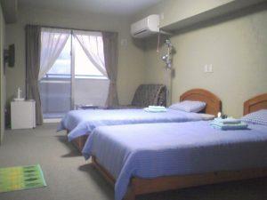 池間の宿「凸凹家」のペットと泊まれる部屋