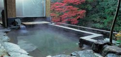 奥水間温泉の天然温泉の露天風呂