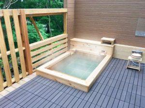 伏楽の館那須湯本店の天然温泉客室露天風呂
